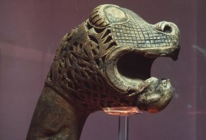 carved-head-oseberg